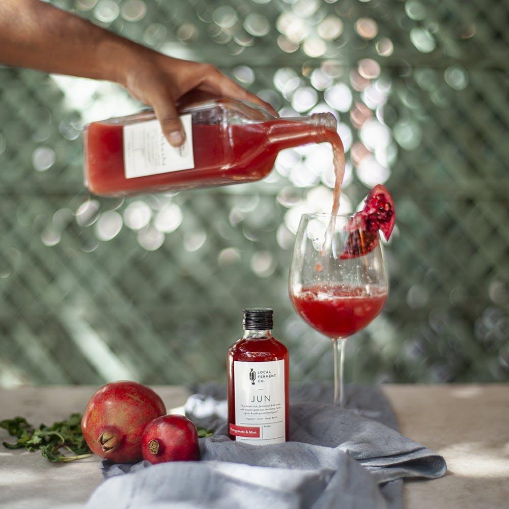 Drink,Liqueur,Cranberry juice,Campari,Distilled beverage,Grenadine,Liquid