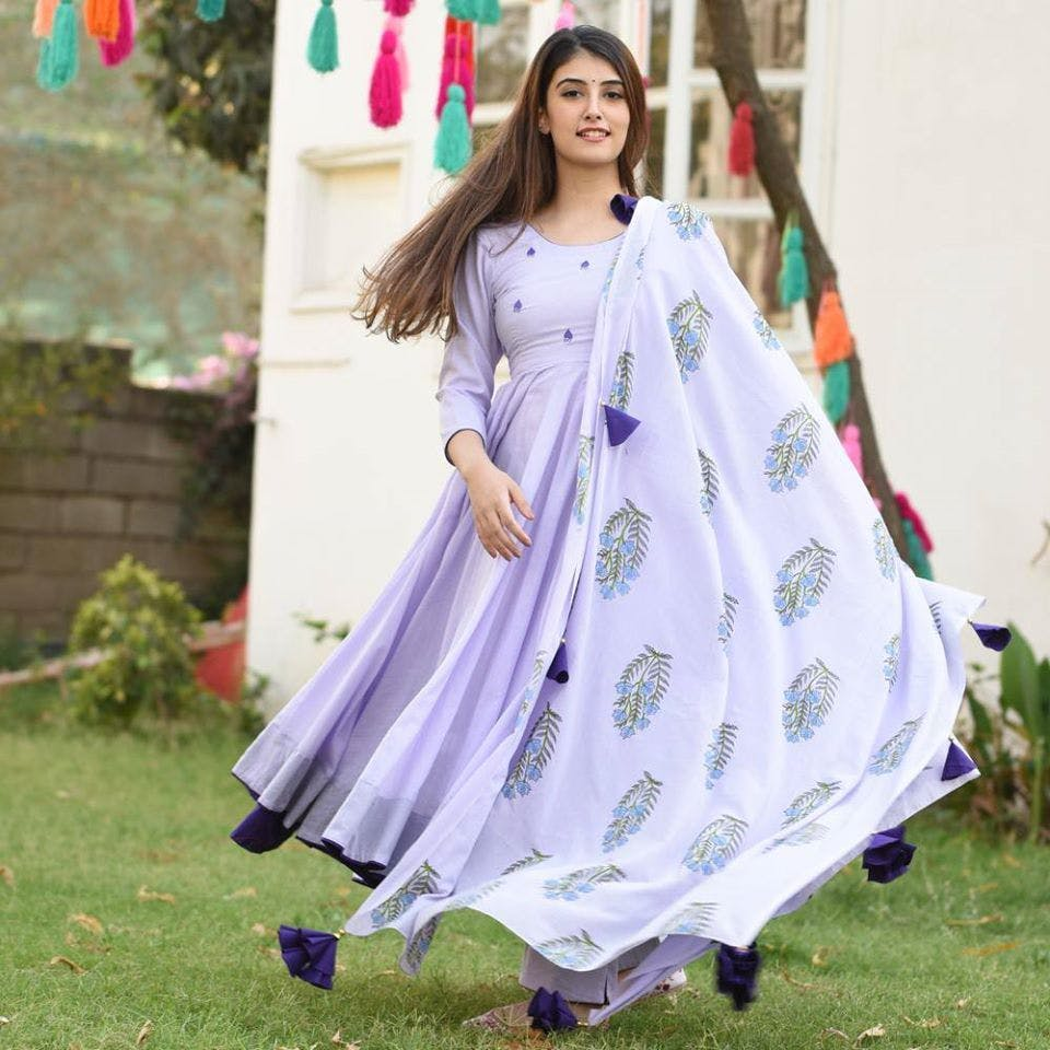 Clothing,White,Lavender,Purple,Dress,Blue,Violet,Formal wear,Pink,Lilac