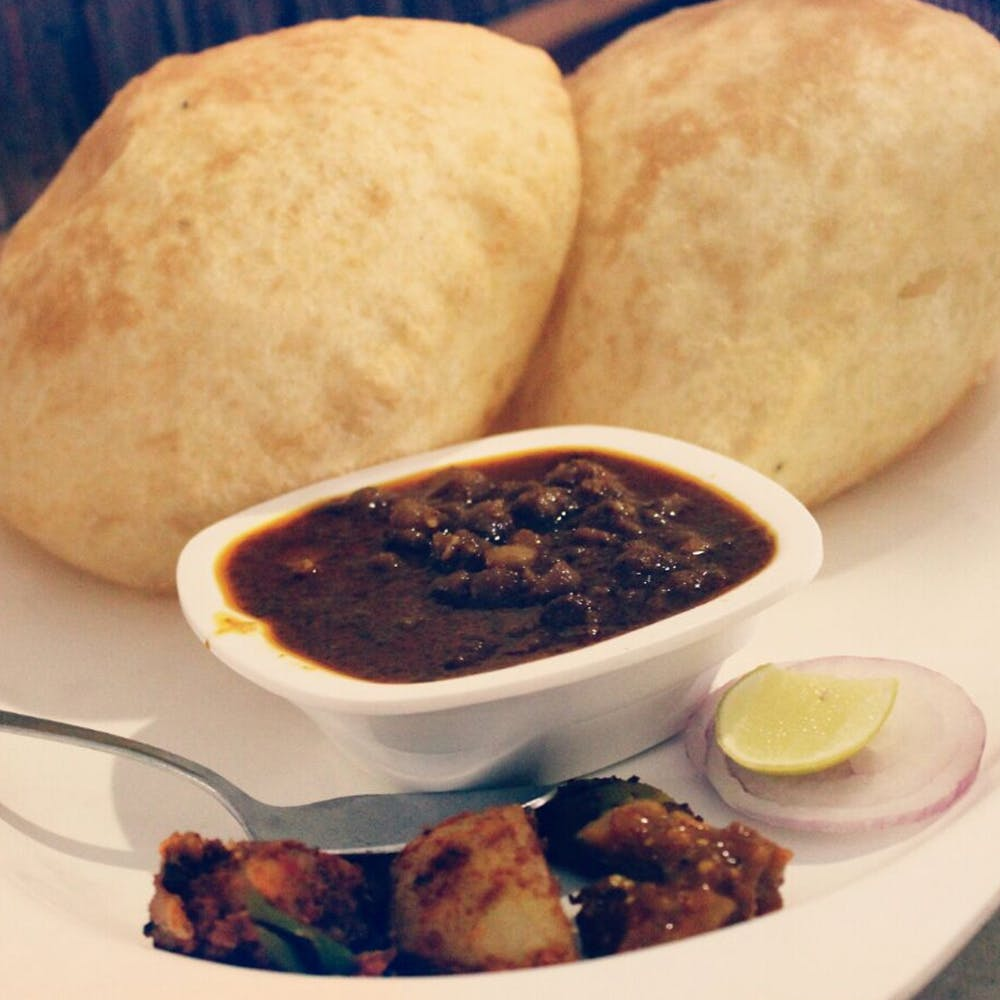 Dish,Food,Cuisine,Ingredient,Produce,Chole bhature,American food,Fried food,Indian cuisine