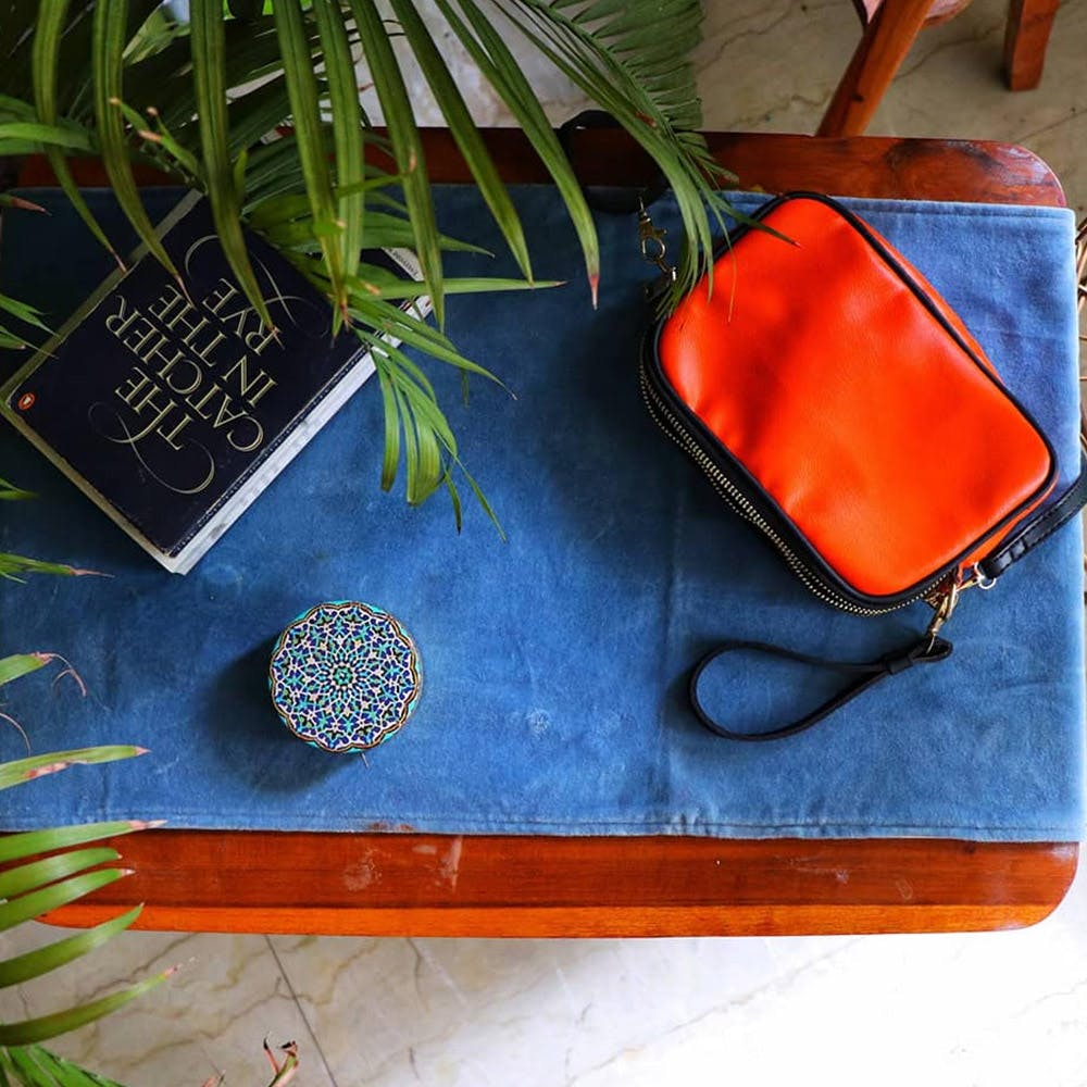 Orange,Textile,Leather,Fashion accessory,Wallet,Bag,Coin purse
