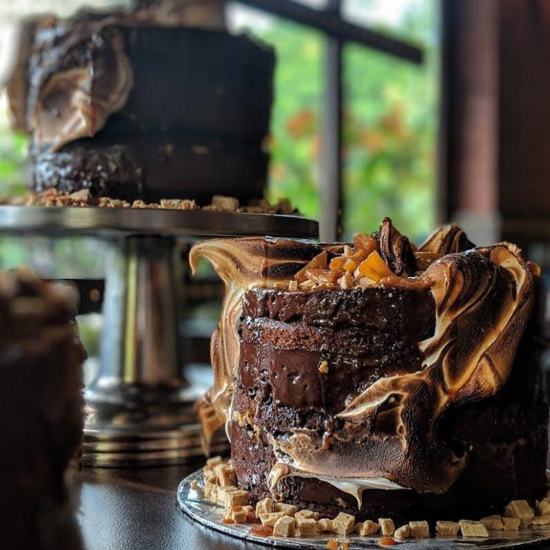 Food,Buttercream,Chocolate,Dessert,Chocolate cake,Dish,Cake,Cuisine,Sweetness,Icing