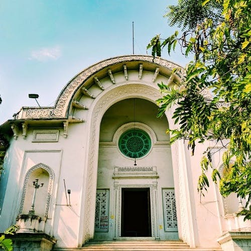 Architecture,Building,Arch,Tree,House,Facade,Classical architecture,Place of worship,Real estate,Home
