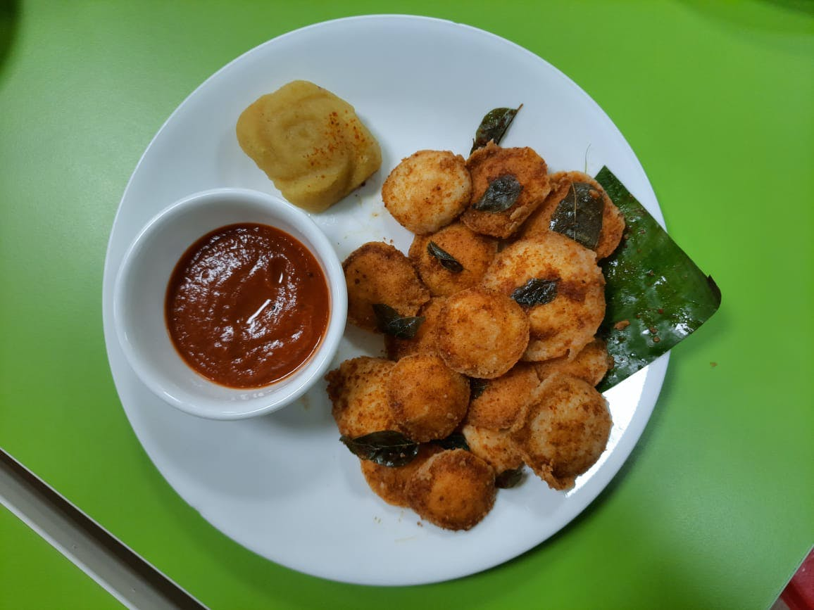 Dish,Food,Cuisine,Fried food,Pakora,Ingredient,Fritter,Fast food,Chicken nugget,Produce