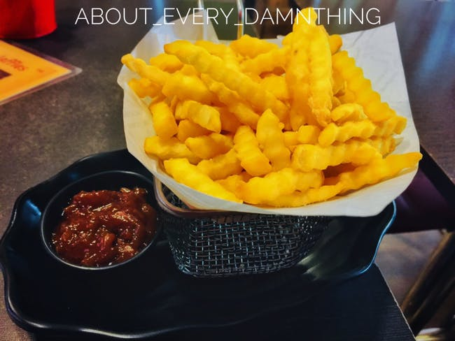 Dish,Food,Junk food,Cuisine,French fries,Ingredient,Fried food,Fast food,Kids' meal,Side dish