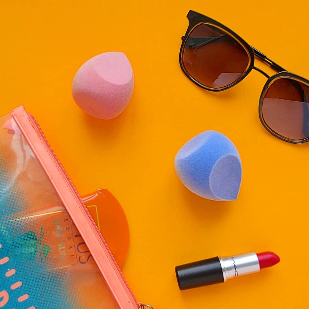 Eyewear,Glasses,Sunglasses,Personal protective equipment,Orange,Vision care,Goggles,Material property,Eye glass accessory,Plastic