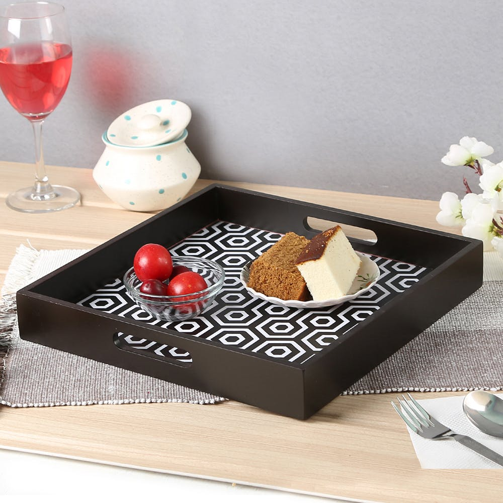 Table,Serveware,Platter,Serving tray,Food,Placemat,Dishware,Plate,Tray,Rectangle