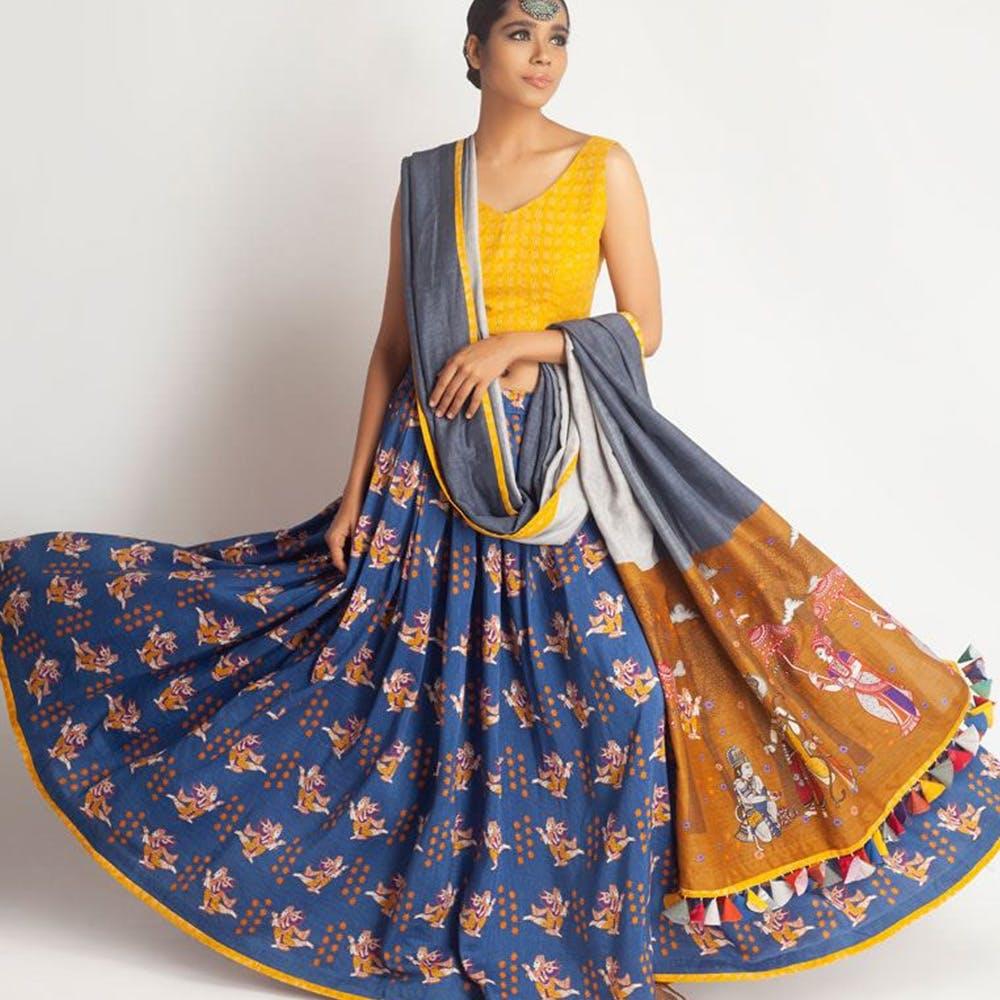 Clothing,Yellow,Dress,Orange,Day dress,Fashion model,Formal wear,Pattern,Pattern,Fashion design
