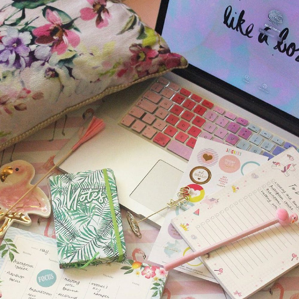 Pink,Wallet,Design,Textile,Paper,Plant,Pattern,Flower,Stationery,Fashion accessory