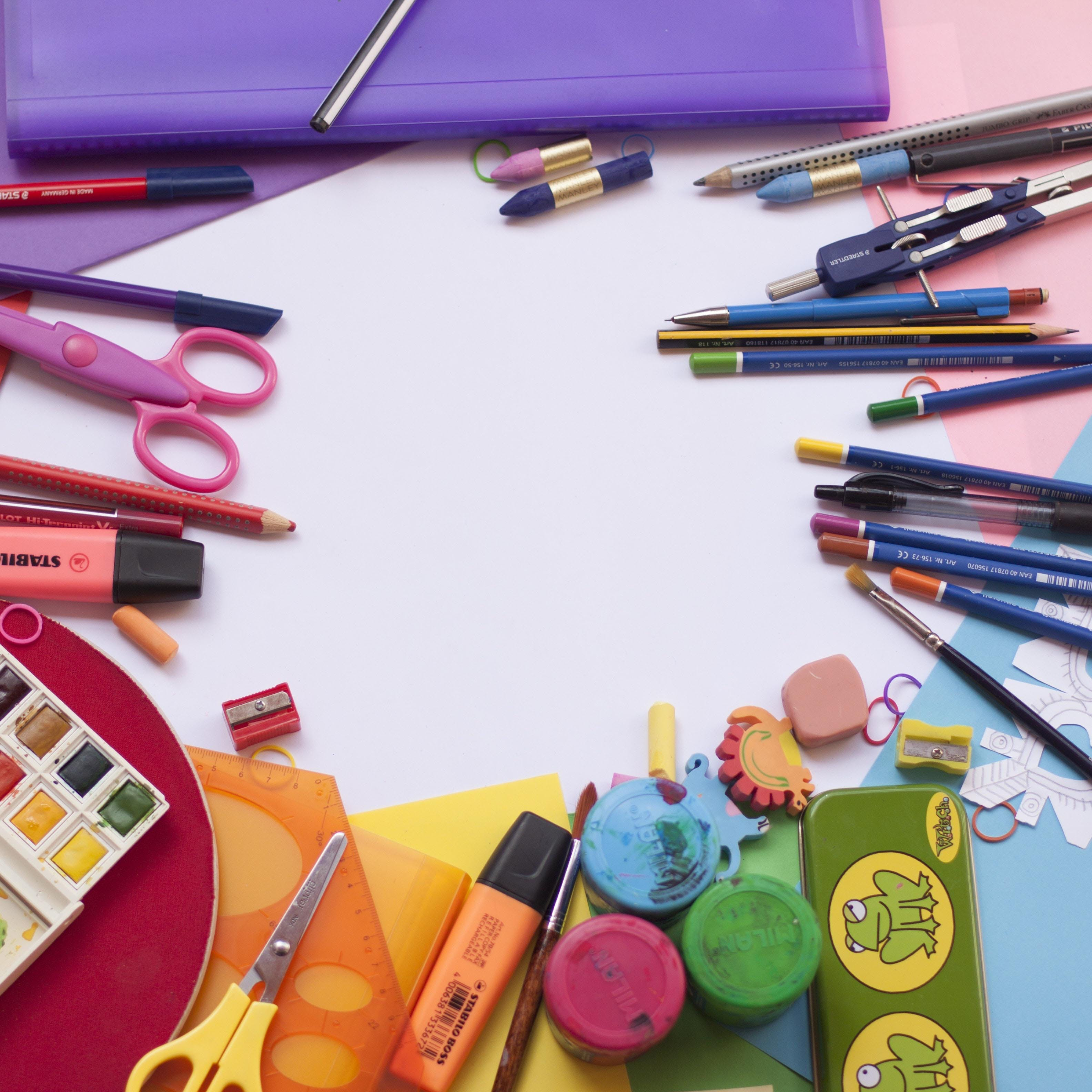 Stationery,Writing implement,Material property,Office supplies,Visual arts,Pen,Eraser,Art