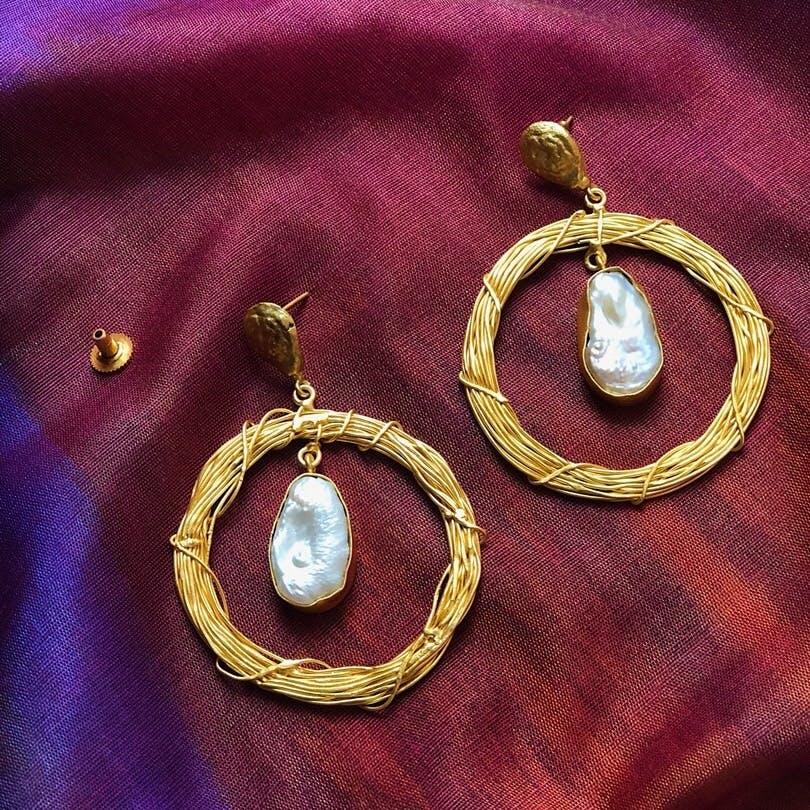 Earrings,Jewellery,Body jewelry,Fashion accessory,Pearl,Gold,Metal,Gemstone,Circle,Magenta