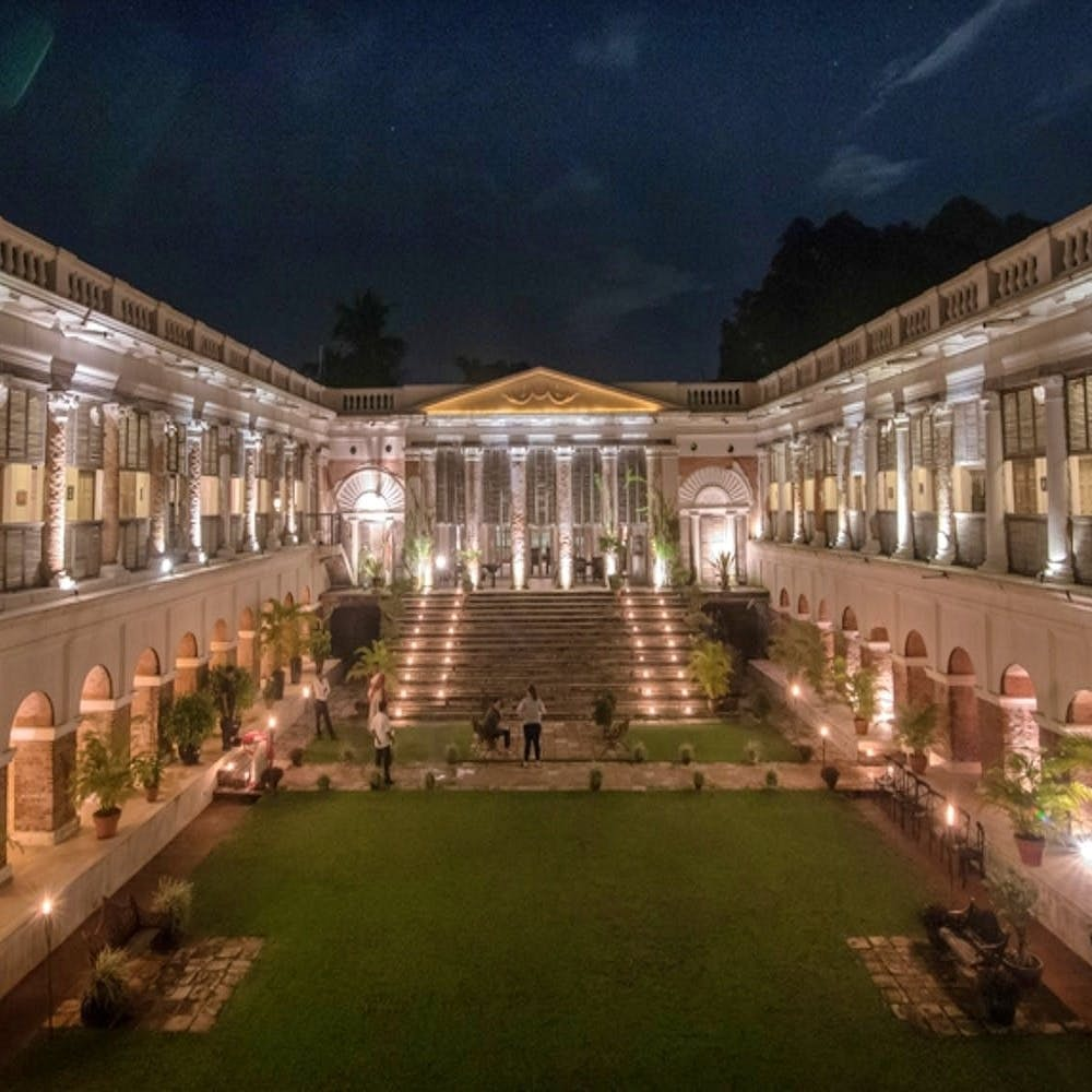 Building,Lighting,Night,Sky,Light,Architecture,House,Estate,Courtyard,Palace