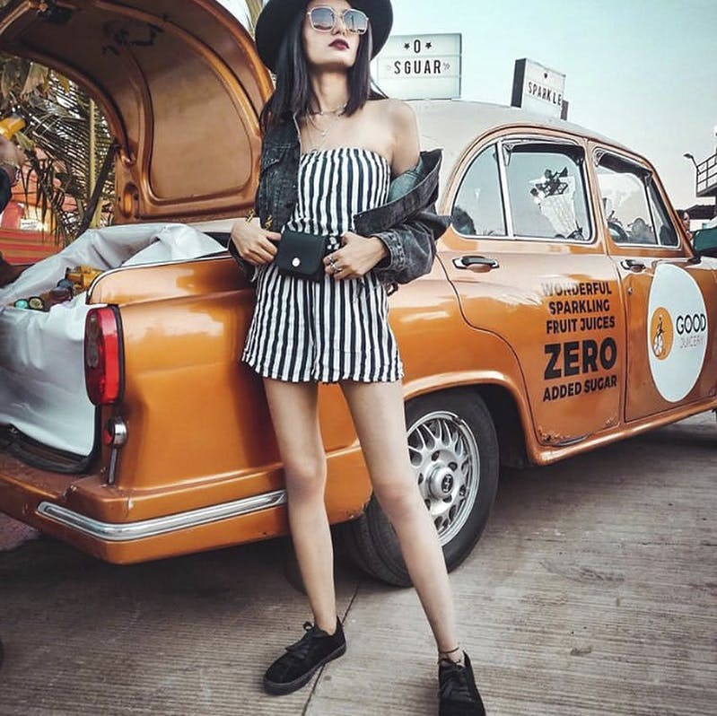 Vehicle,Fashion,Yellow,Shoulder,Beauty,Classic,Car,Retro style,Street fashion,Footwear
