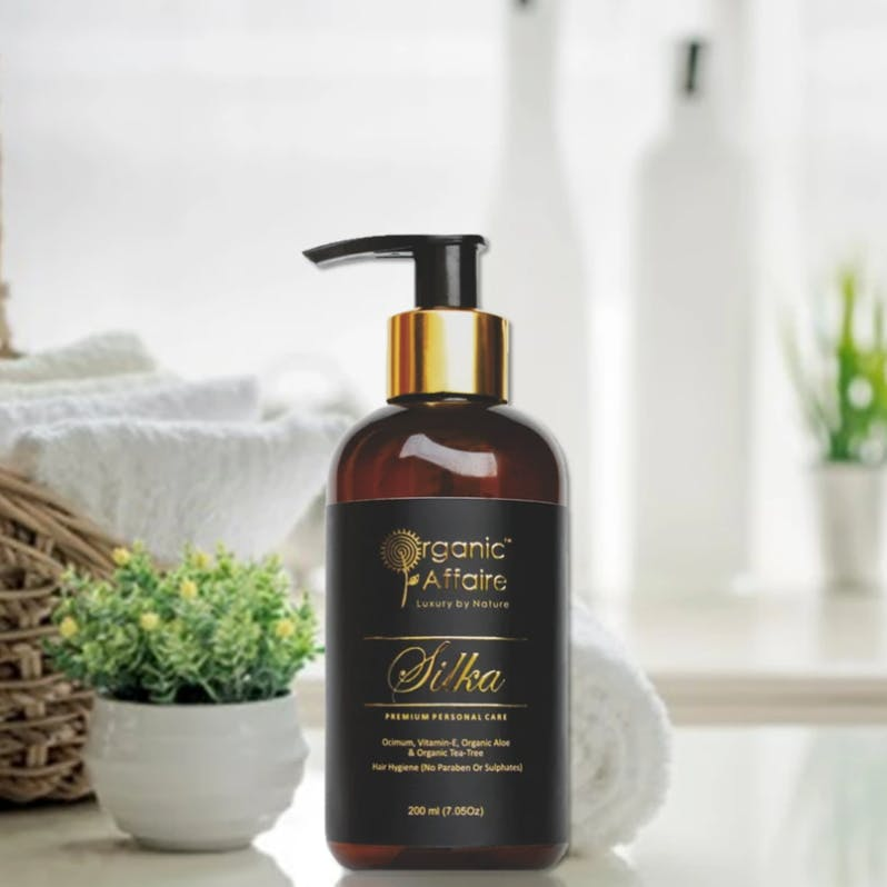 Product,Beauty,Skin care,Bottle,Liquid,Hand,Personal care,Hair care,Shampoo,Plant