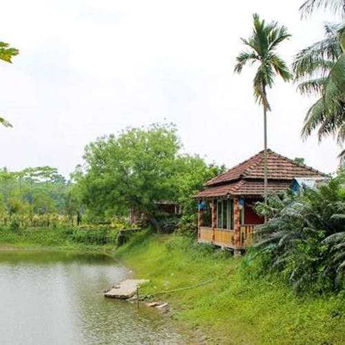 Nature,Natural landscape,Property,Nature reserve,Tree,House,Waterway,Rural area,Landscape,Resort