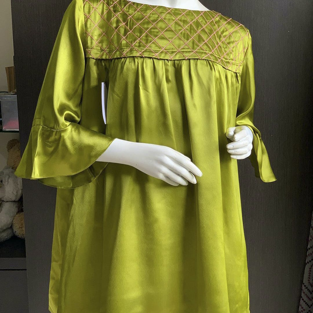 Clothing,Yellow,Green,Robe,Sleeve,Joint,Outerwear,Textile,Dress