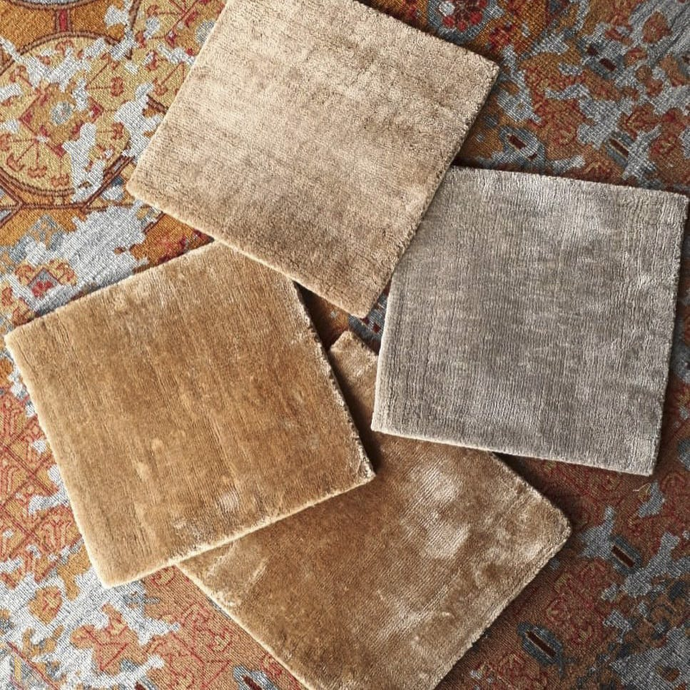 Tile,Floor,Flooring,Brown,Beige,Pattern,Design,Tile flooring,Wood,Square