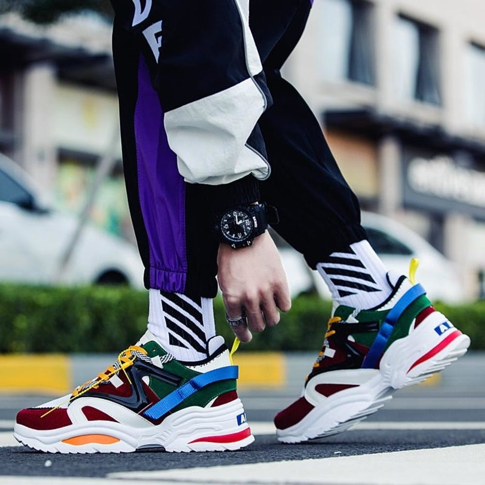 Footwear,White,Shoe,Street fashion,Sneakers,Sportswear,Fashion,Skate shoe,Plimsoll shoe,Athletic shoe