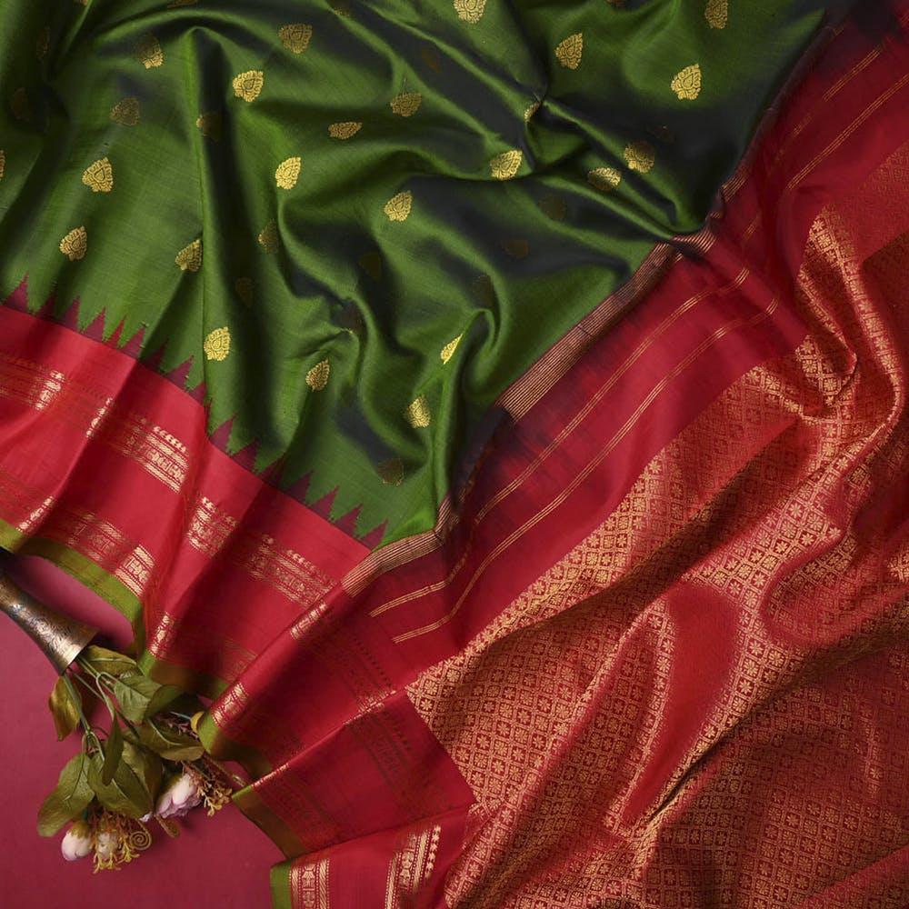 Silk,Green,Red,Textile,Maroon,Satin,Dress,Pattern,Magenta,Pattern