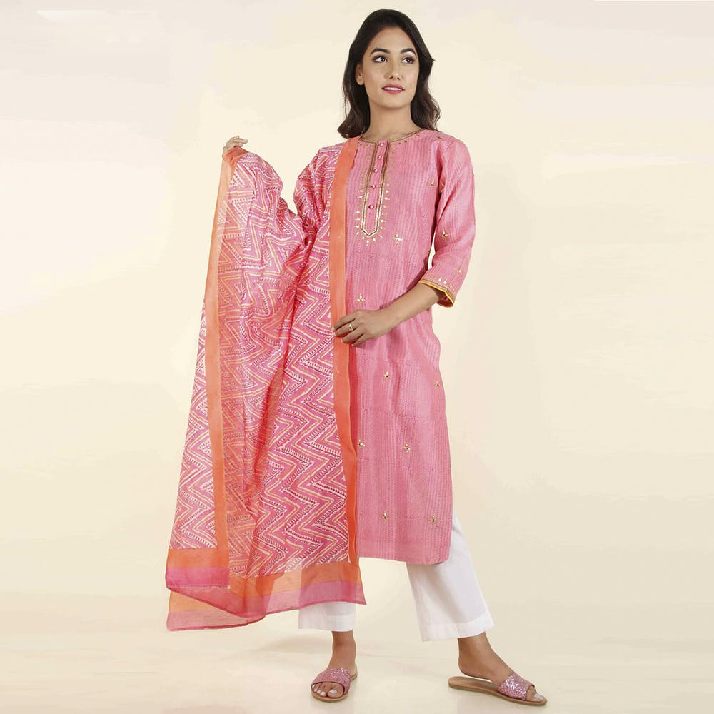 Clothing,Pink,Formal wear,Magenta,Peach,Silk,Textile,Dress,Embroidery,Suit