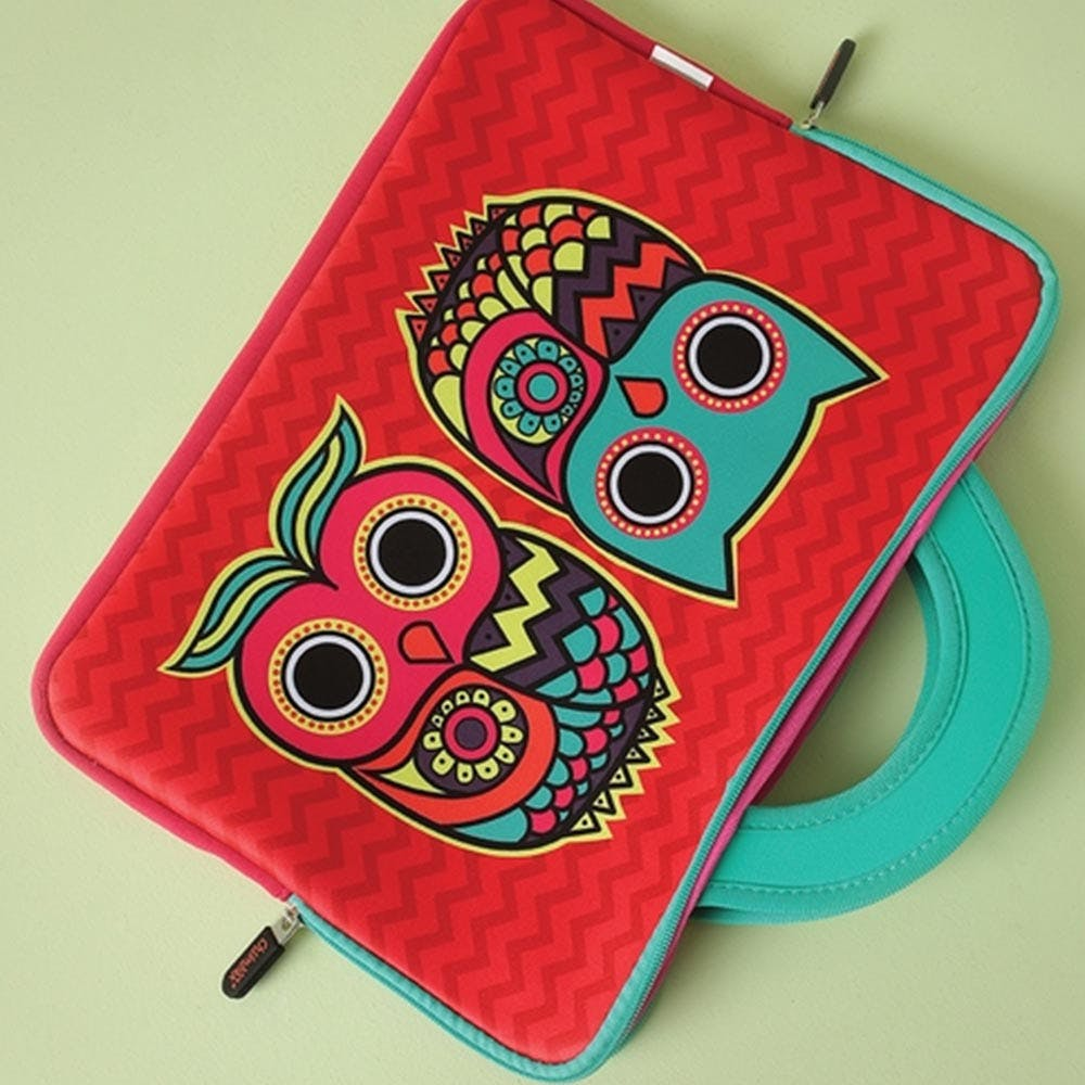 Red,Pink,Textile,Owl,Coin purse,Visual arts,Skull,Pattern,Wallet,Fashion accessory