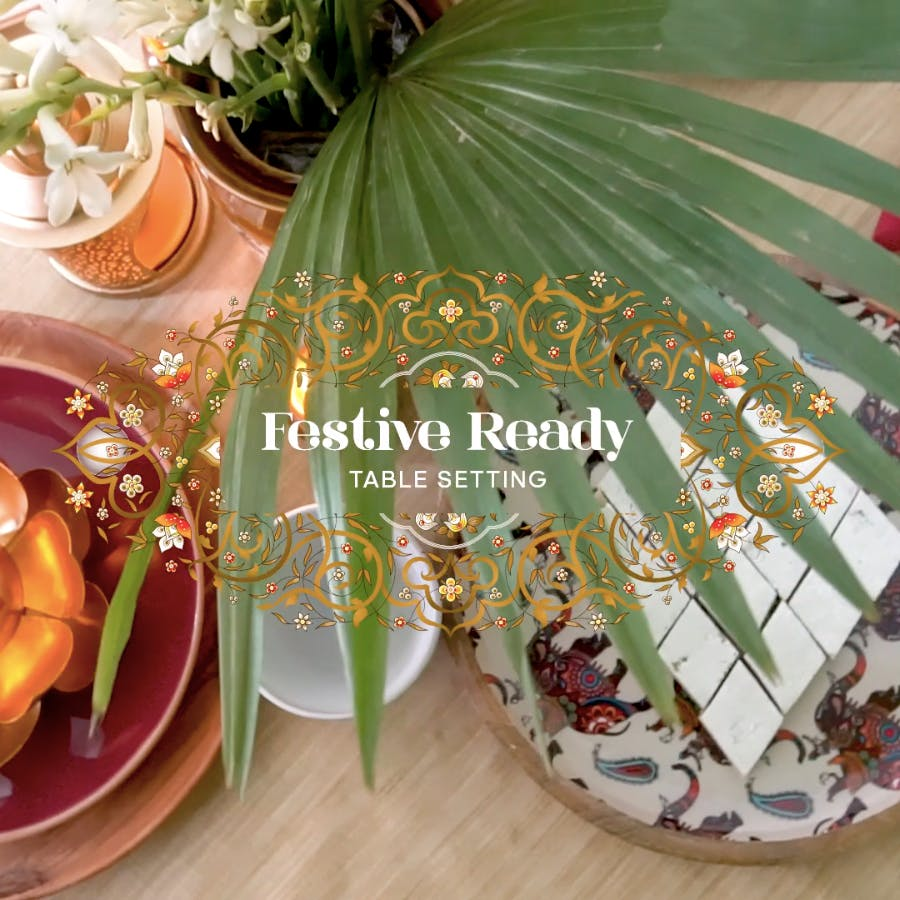 Leaf,Tablecloth,Meal,Close-up,Plate,Table,Food,Tableware,Linens,Dish