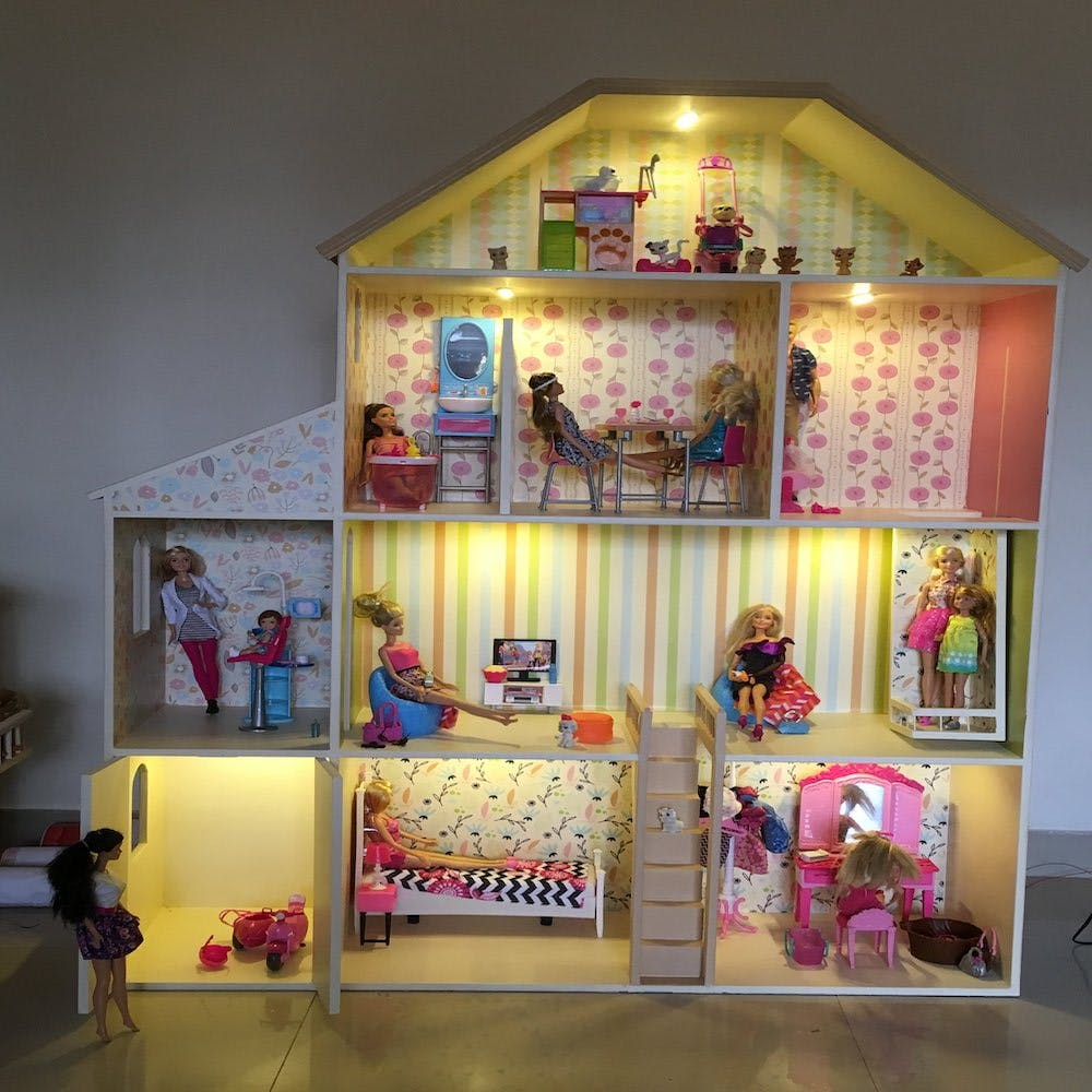 Dollhouse,Toy,Pink,Doll,House,Barbie,Building,Room,Interior design,Furniture