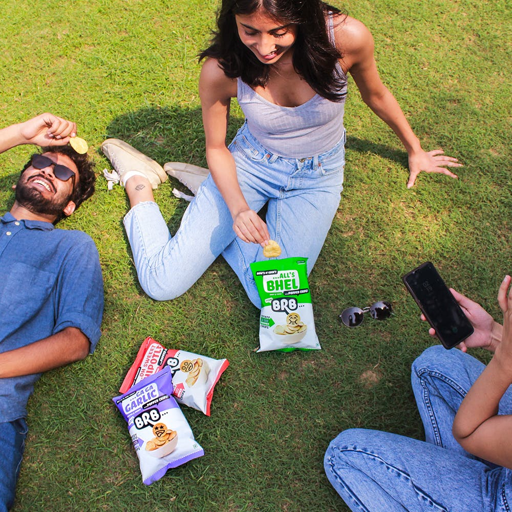 People in nature,Grass,Fun,Friendship,Jeans,Picnic,Recreation,Summer,Leisure,Leg