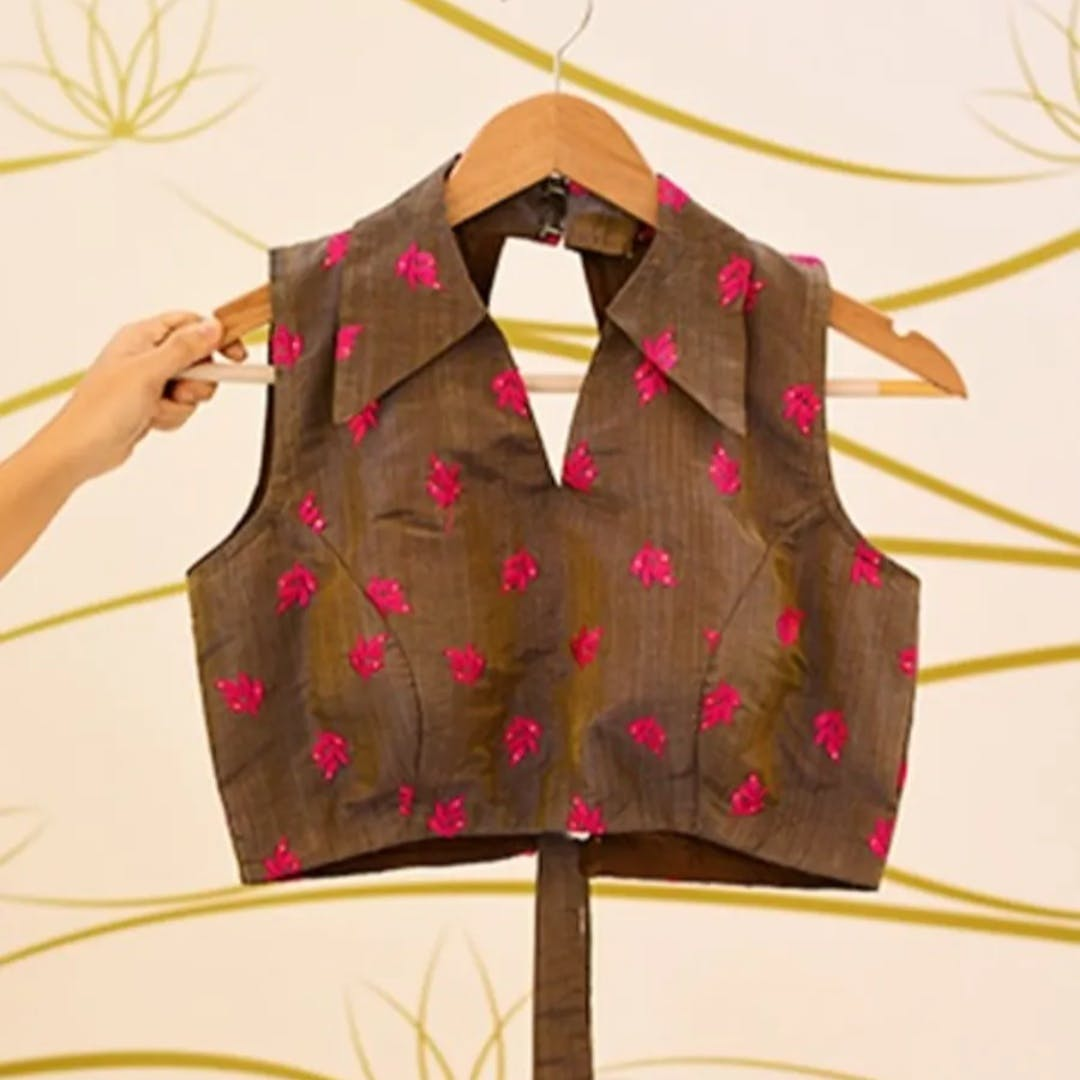 Clothing,Outerwear,Pink,Pattern,Sleeve,Fashion design,Design,Dress,Pattern,Sleeveless shirt