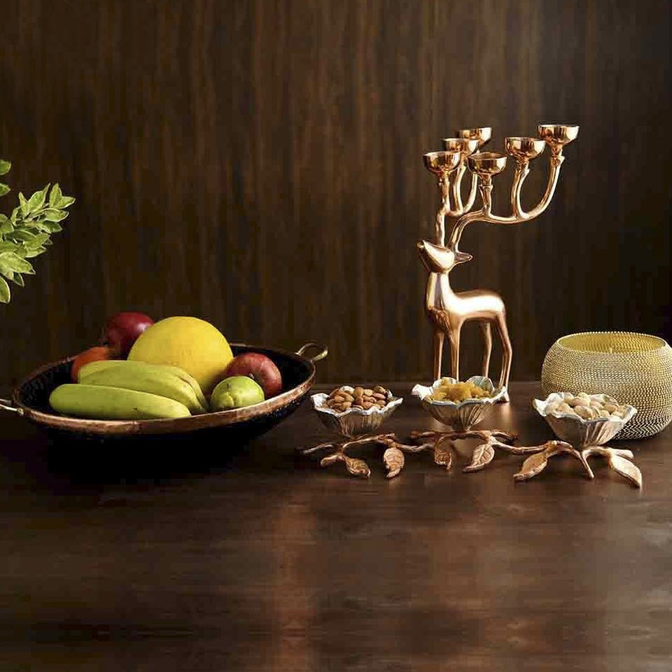Still life photography,Still life,Table,Painting,Plant,Photography,Tableware,Centrepiece,Serveware,Plate
