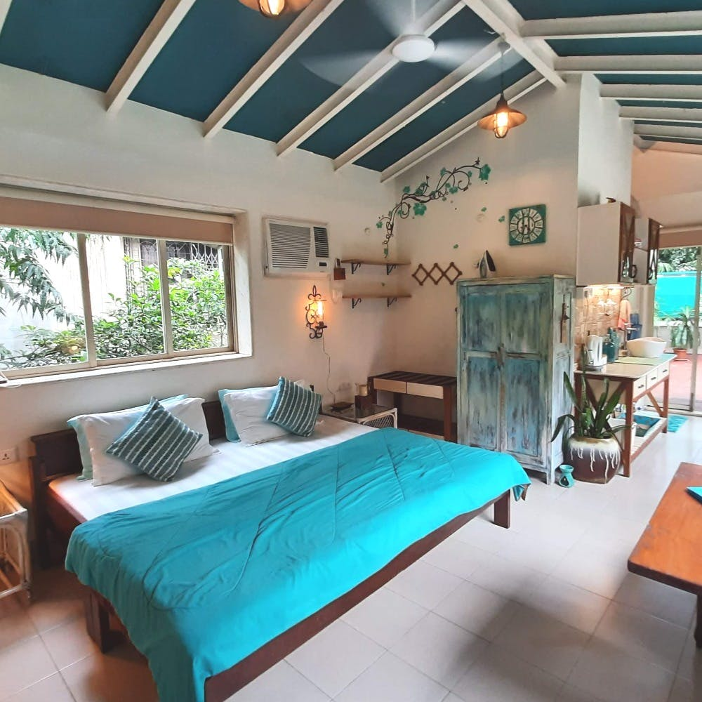 Bedroom,Property,Room,Furniture,Building,Ceiling,Interior design,Bed sheet,Real estate,Bedding