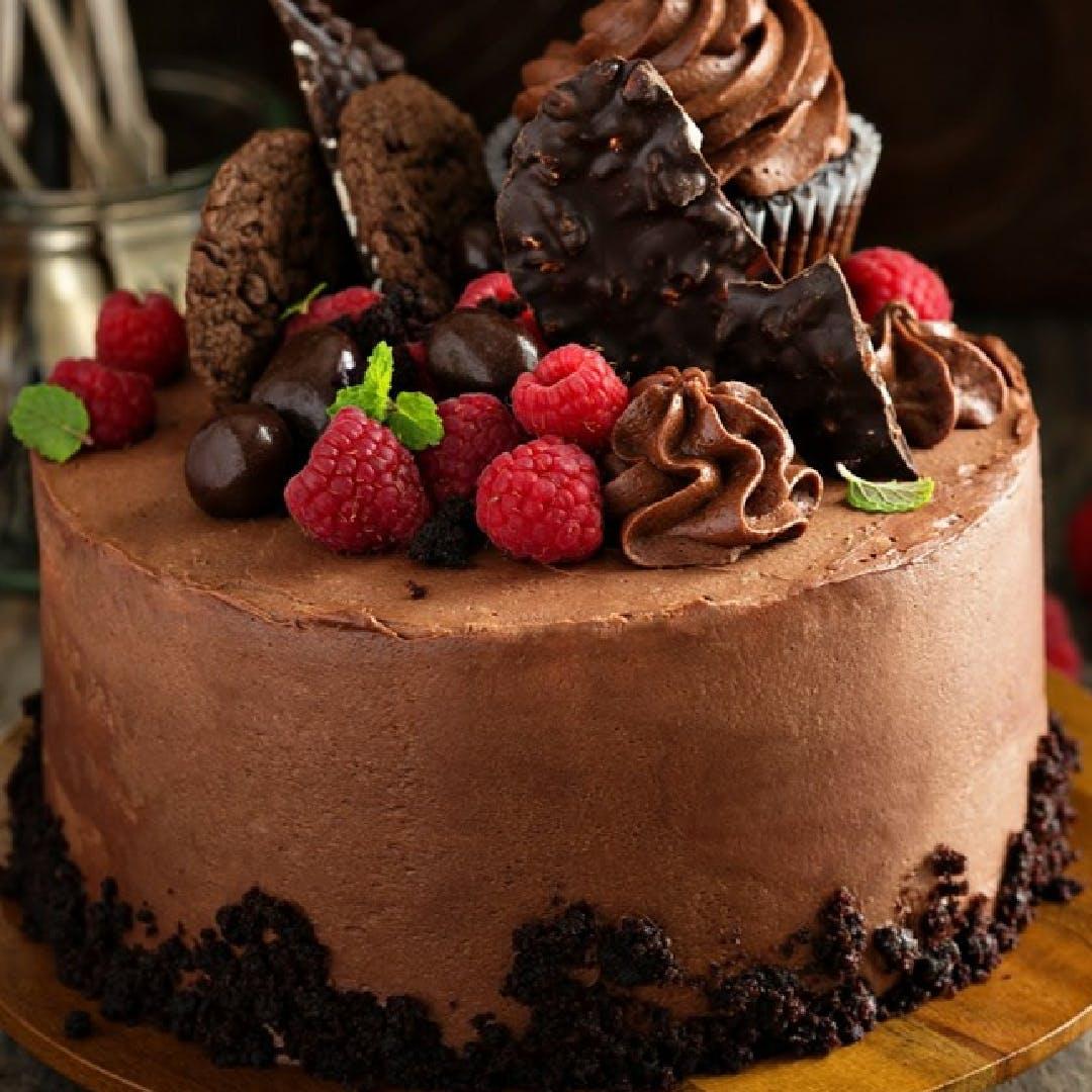 Cake,Food,Chocolate cake,Dessert,Frozen dessert,Cuisine,Chocolate,Torte,Sweetness,Dish
