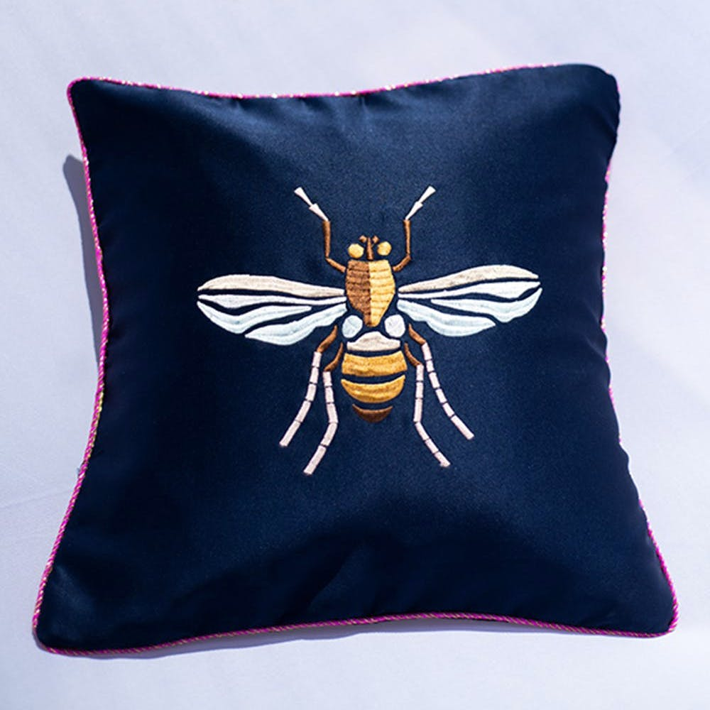 Insect,Throw pillow,Pillow,Cushion,Membrane-winged insect,Textile,Linens,Pest,Invertebrate,Furniture