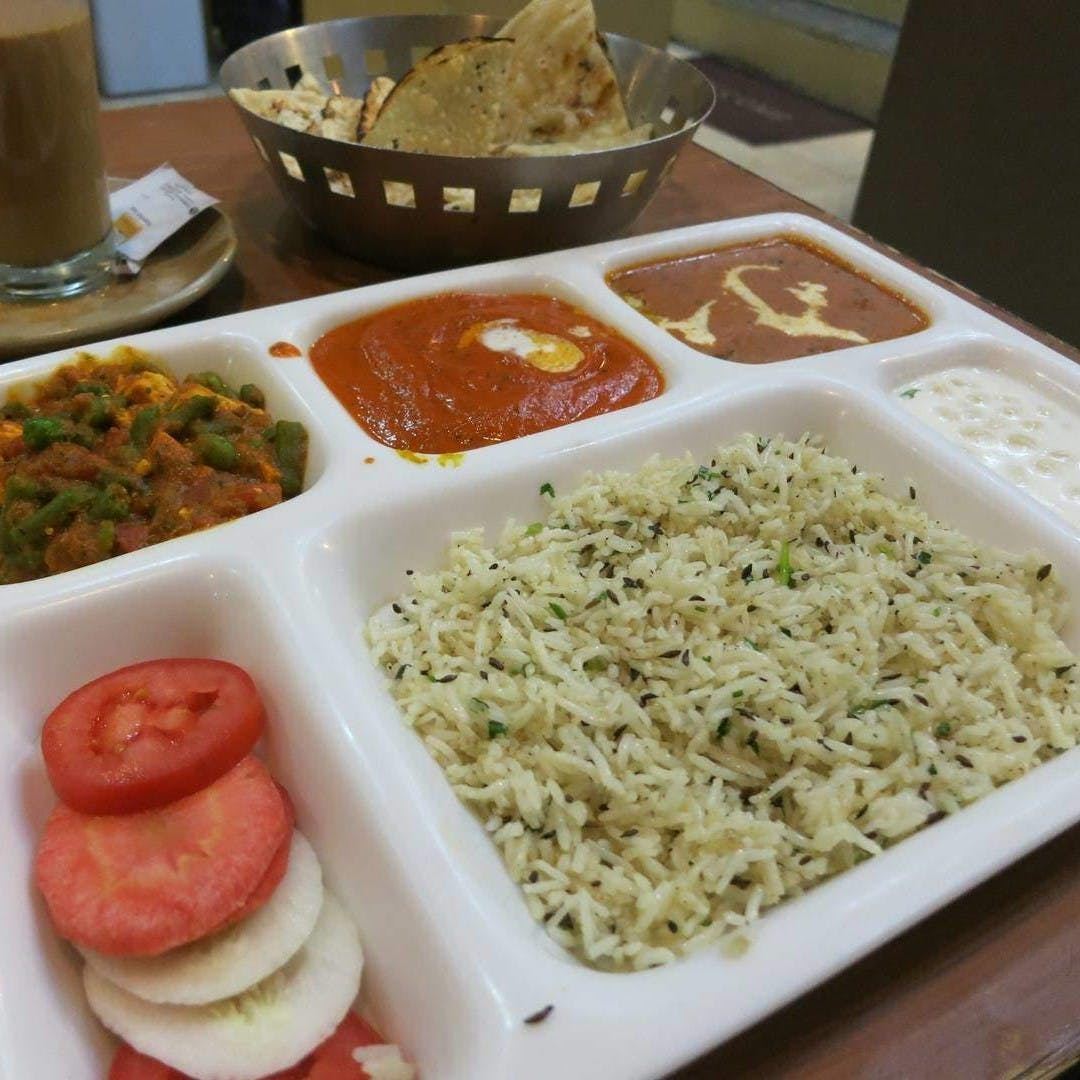 Dish,Food,Cuisine,Ingredient,Meal,White rice,Lunch,Steamed rice,Produce,Comfort food