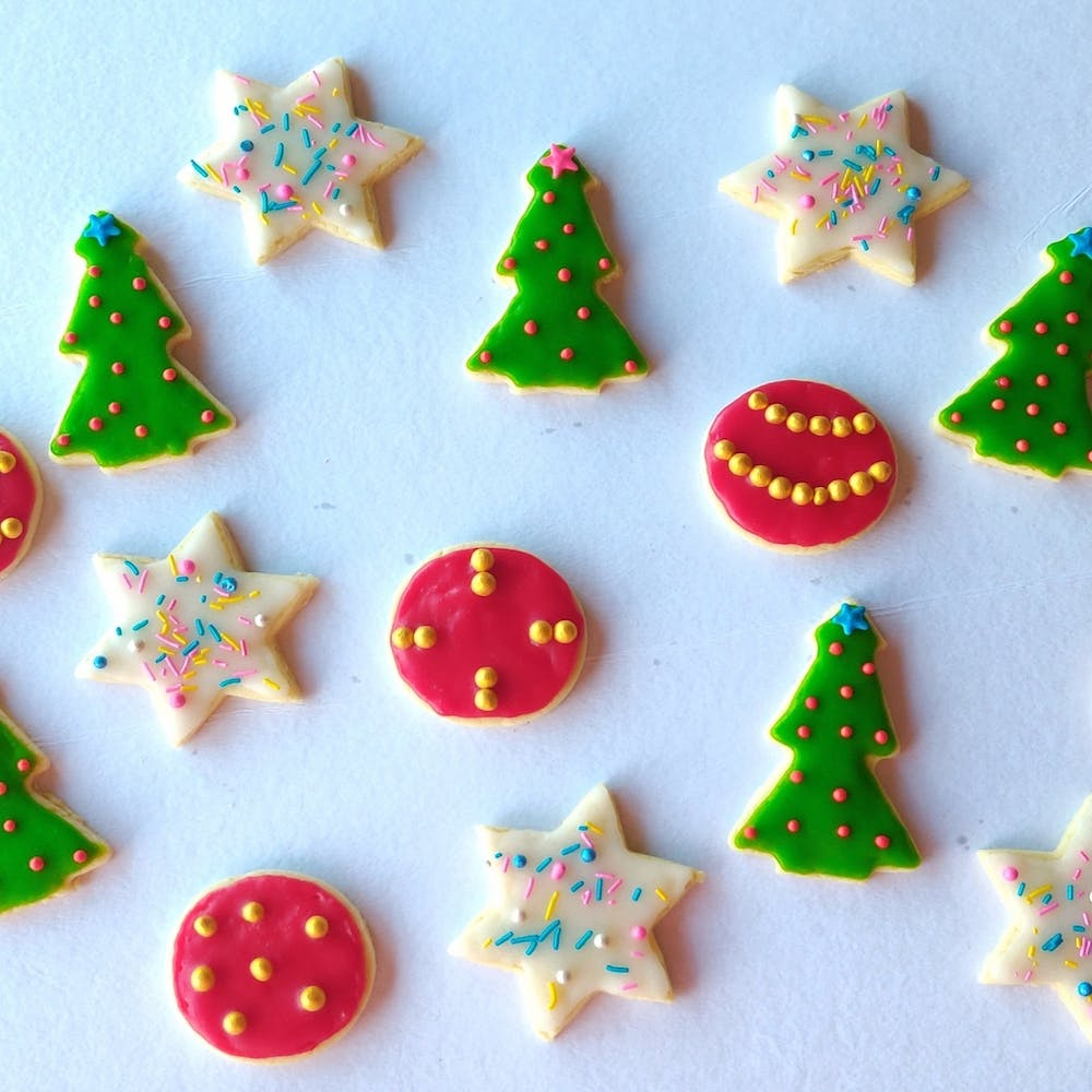 Green,Christmas decoration,Confectionery,Christmas,Finger food,Christmas tree,Sweetness,Dessert,Christmas ornament,Holiday ornament