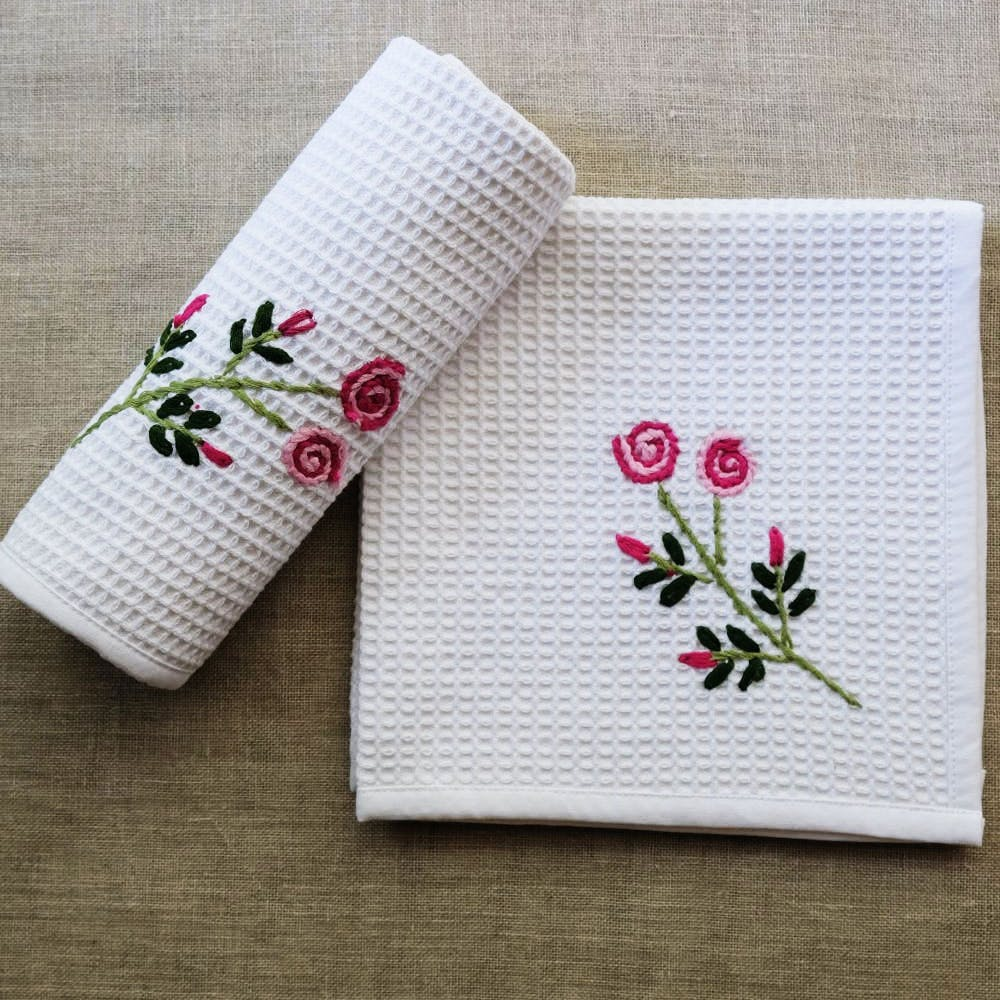 Textile,Pink,Pattern,Napkin,Carmine,Embroidery,Creative arts,Home accessories,Linens,Needlework