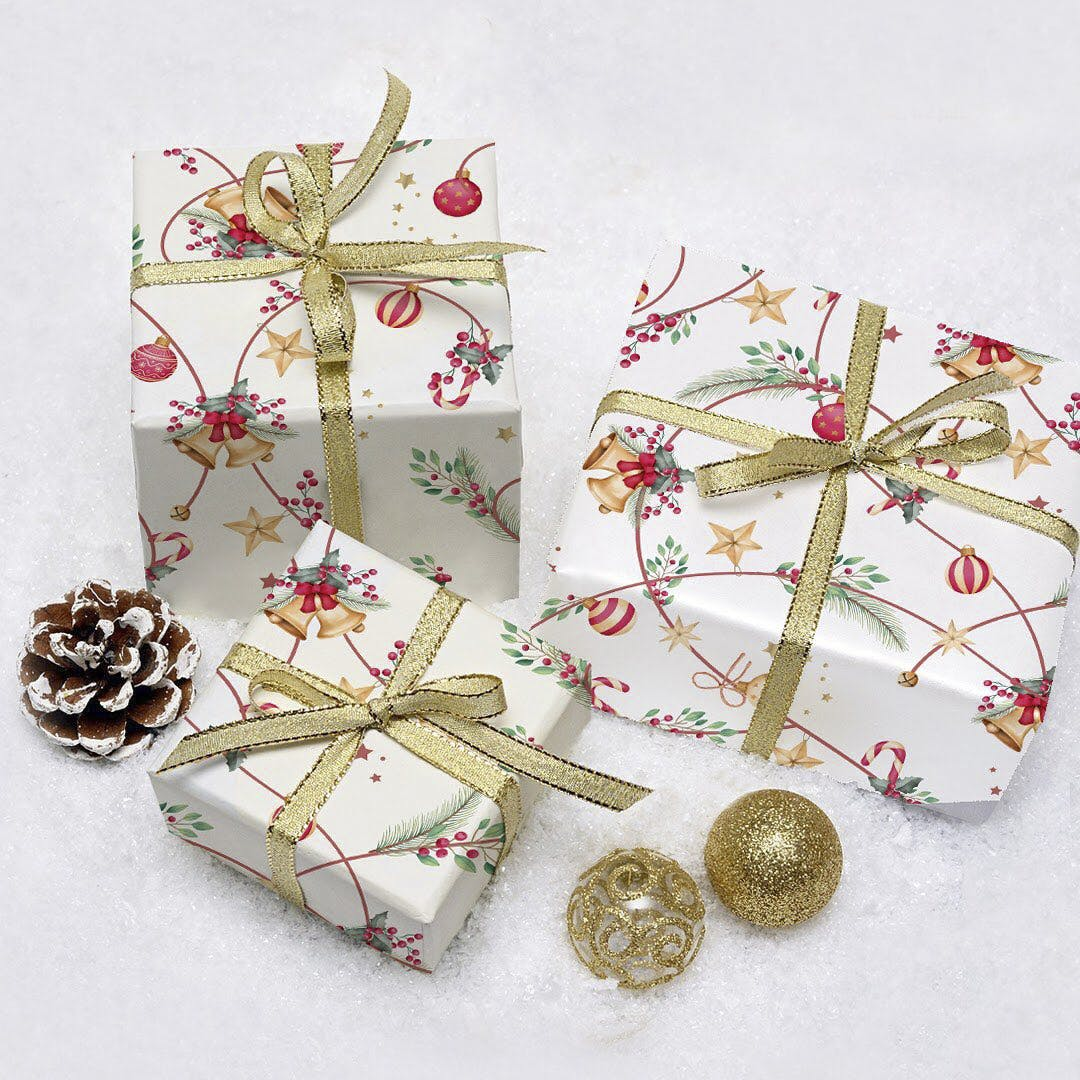 Christmas decoration,Craft,Natural material,Body jewelry,Needlework,Embellishment,Earrings,Jewelry making