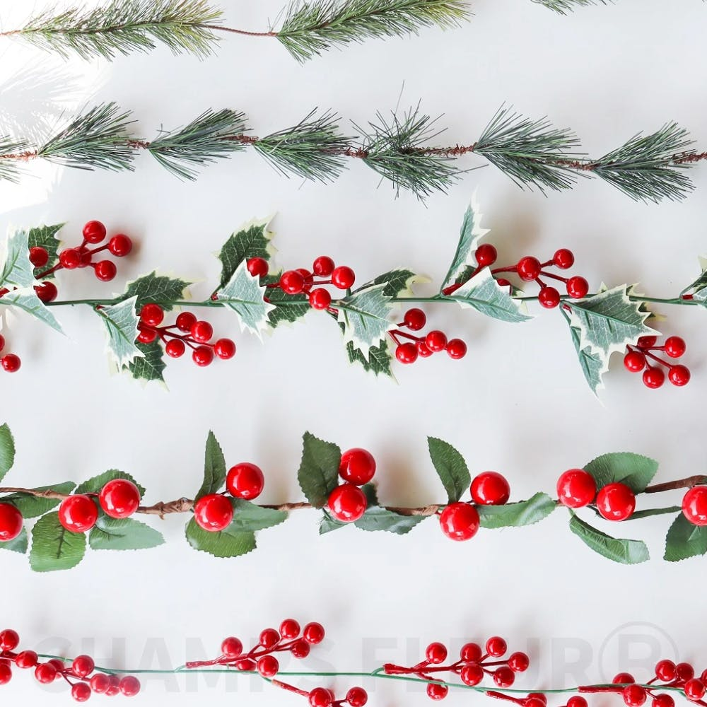 Red,Pattern,Carmine,Coquelicot,Fruit,Conifer,Produce,Pedicel,Holly,Pine family