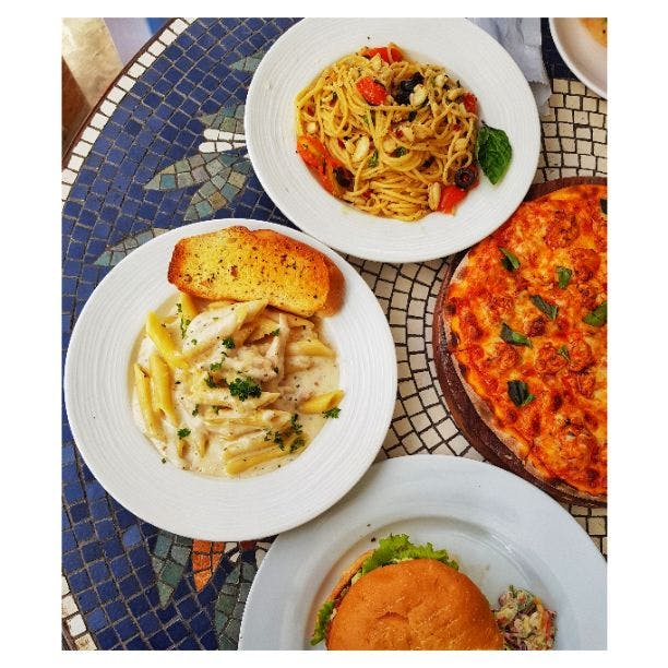 Dish,Food,Cuisine,Meal,Ingredient,Lunch,Comfort food,Produce,Recipe,Meat