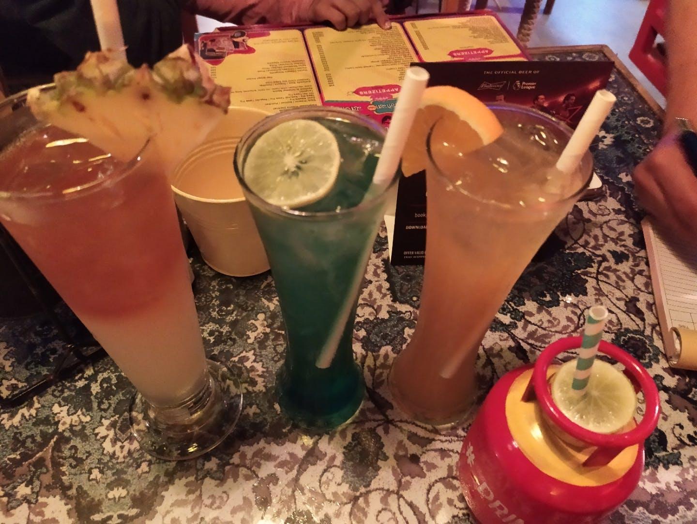 Drink,Non-alcoholic beverage,Juice,Distilled beverage,Punch,Alcoholic beverage,Mai tai,Food,Aguas frescas,Cocktail garnish