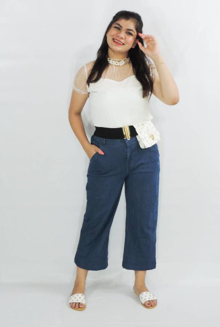 Clothing,White,Waist,Shoulder,Jeans,Standing,Denim,Leg,Fashion,Abdomen