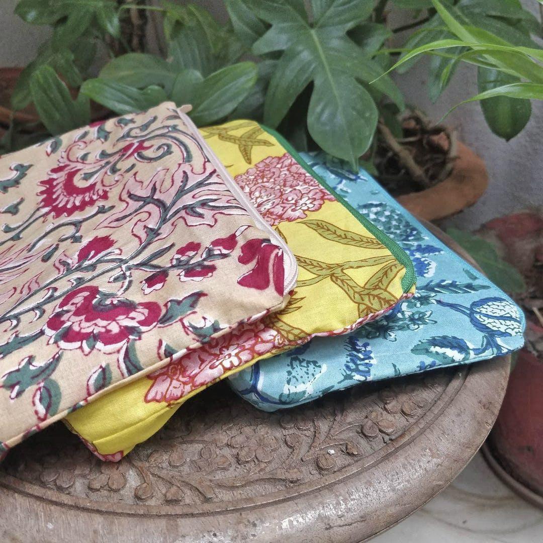 Textile,Linens,Motif,Creative arts,Pattern,Home accessories,Herb
