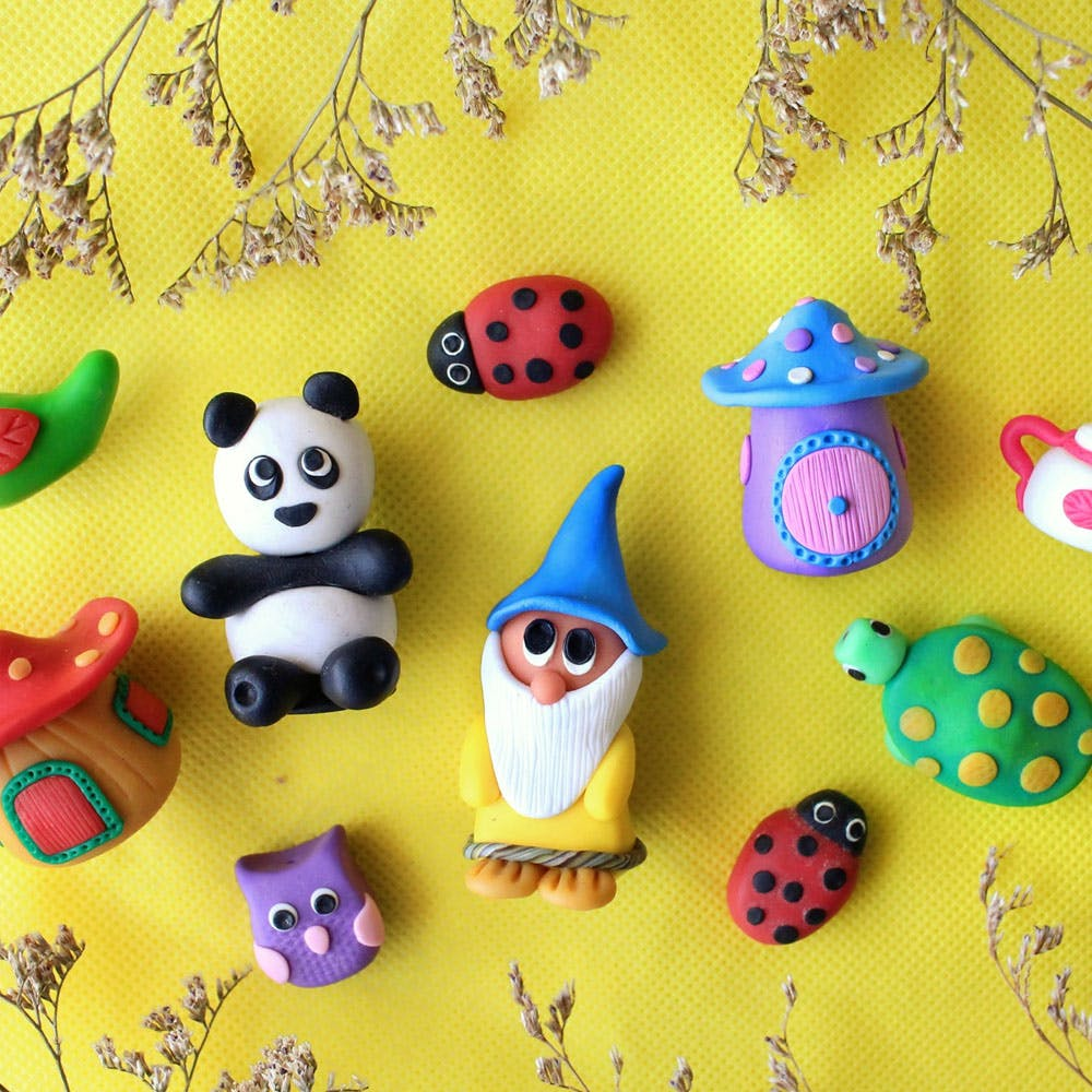 Toy,Ladybug,Pattern,Baby toys,Insect,Plastic,Polka dot,Baby Products,Creative arts,Arthropod