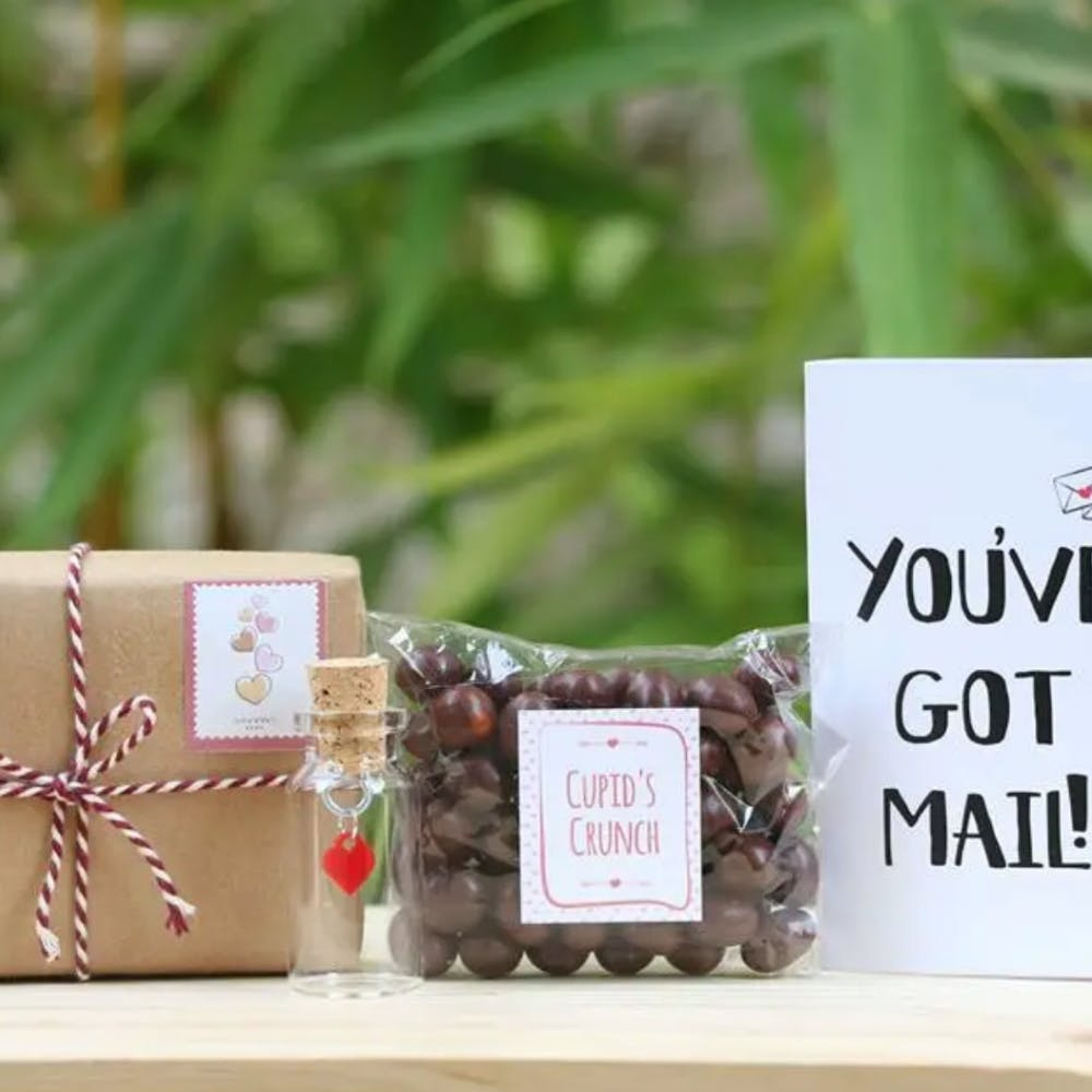 Produce,Party favor,Packaging and labeling,Paper product,Sweetness,Wedding favors,Present,Label,Fruit,Box