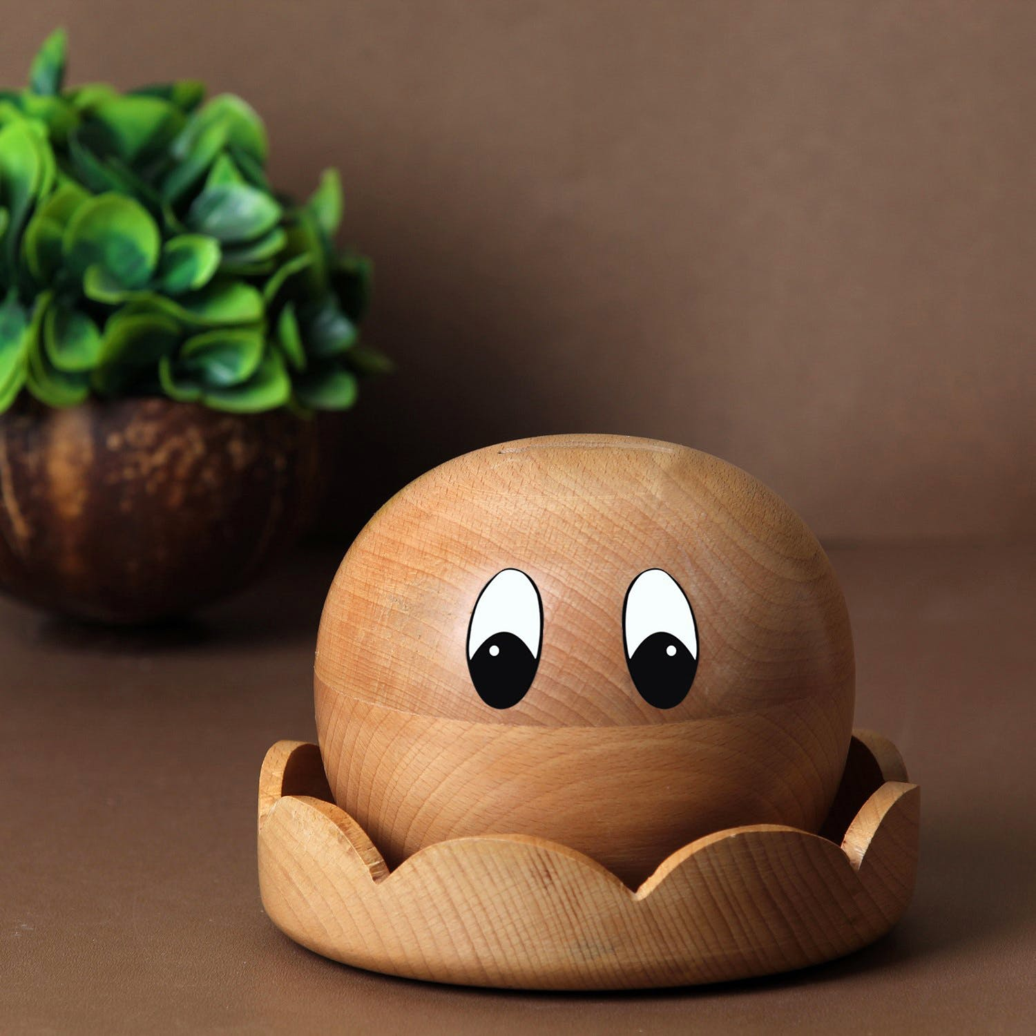 Toy,Wood,Plant,Ingredient,Natural foods,Stuffed toy,Terrestrial animal,Grass,Art,Herb