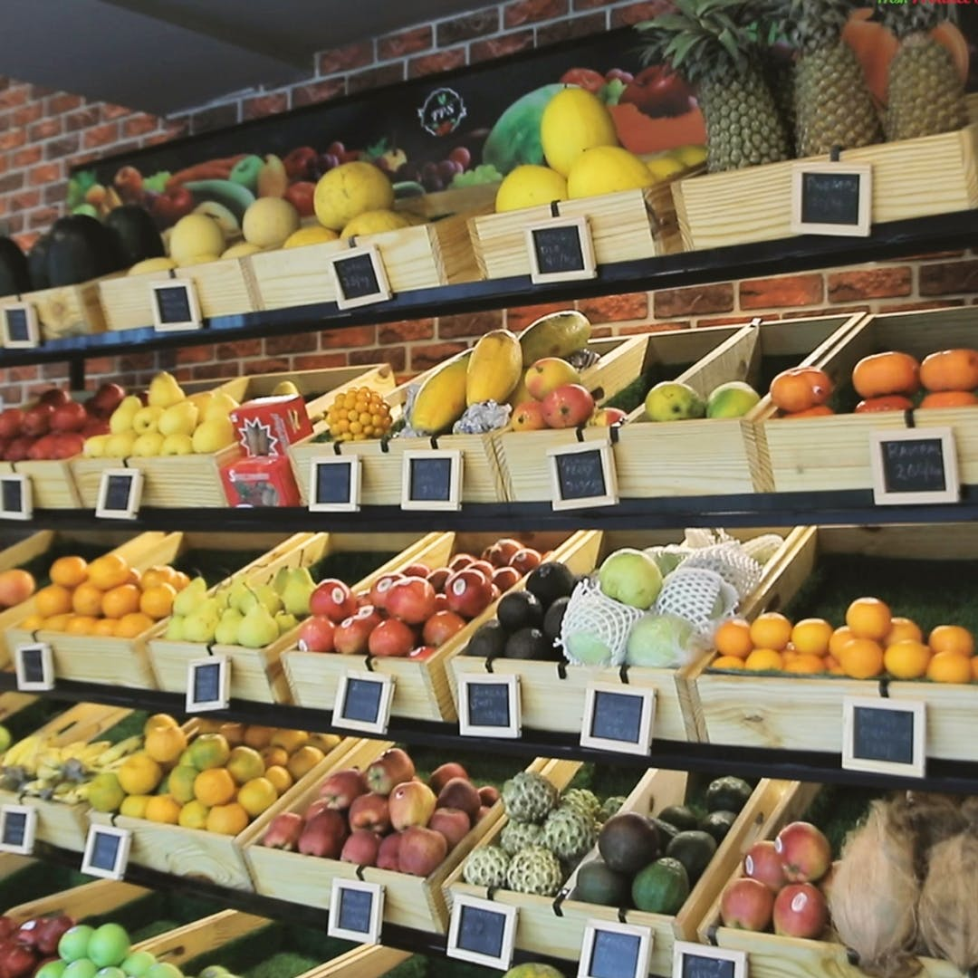 Food,Product,Natural foods,Fruit,Whole food,Food group,Retail,Yellow,Market,Public space