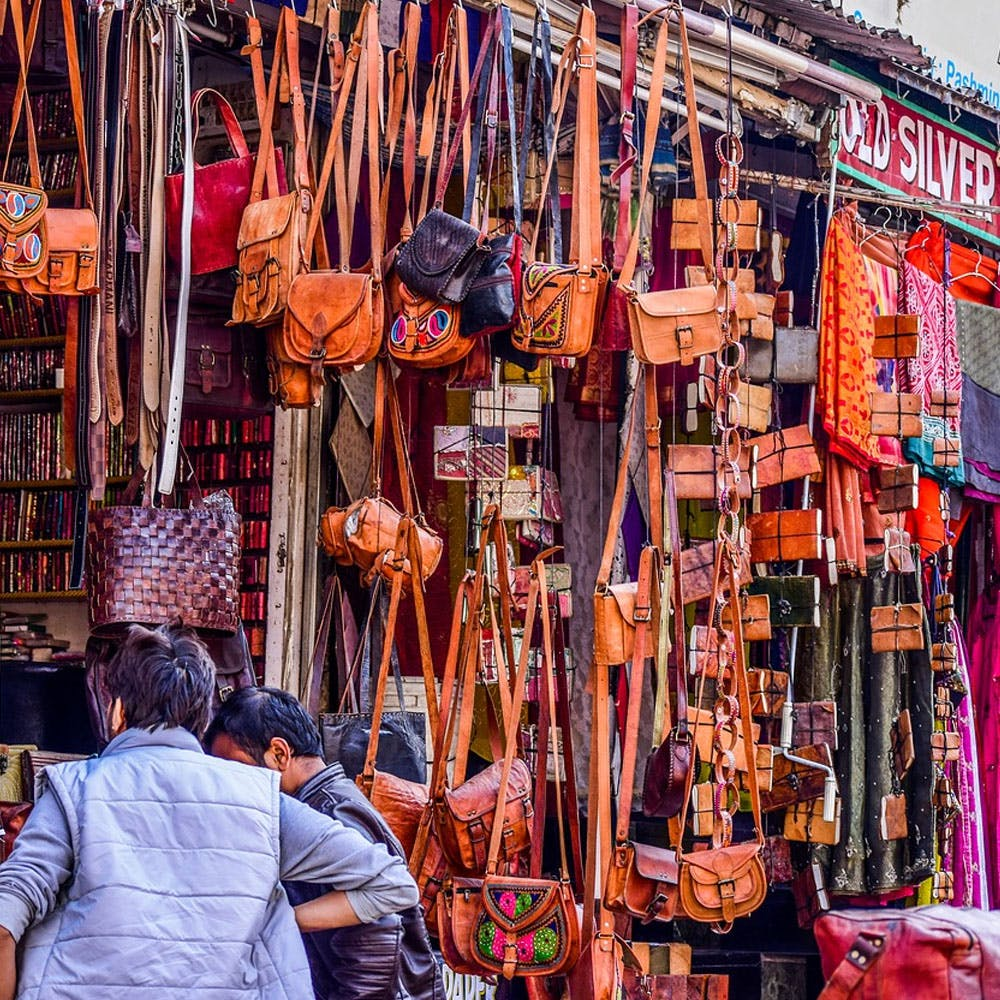 Textile,Temple,Orange,Selling,Wood,Shopping,Building,Market,Retail,City