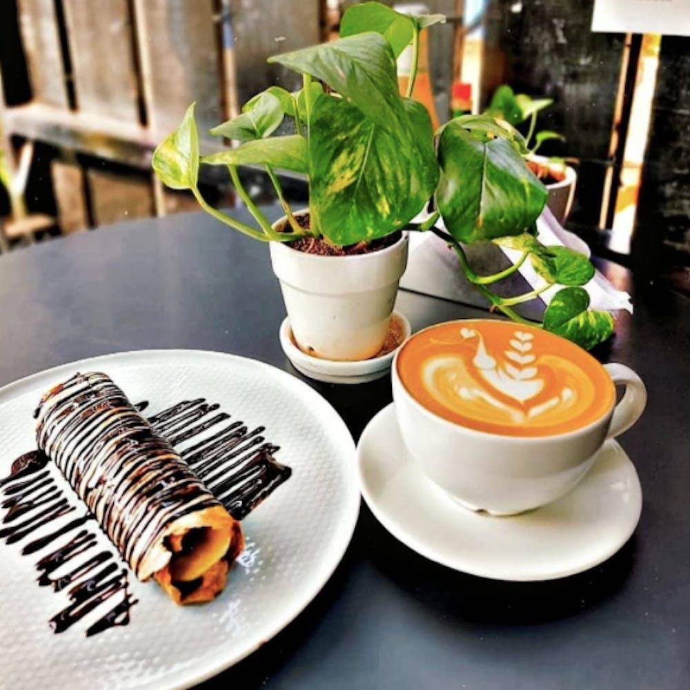 Tableware,Dishware,Plant,Drinkware,Table,Coffee,Ingredient,Plate,Coffee cup,Cup