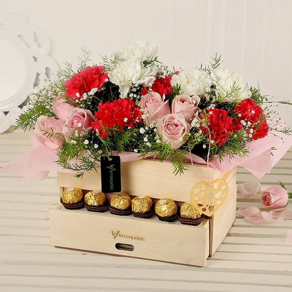 Flowers & Chocolates Combo By Ferns N Petals