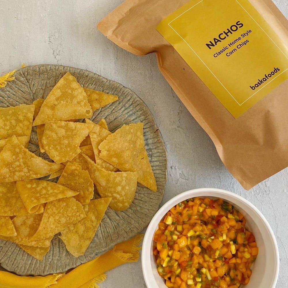 Food,Ingredient,Totopo,Corn chip,Recipe,Yellow,Cuisine,Dish,Tortilla chip,Tableware