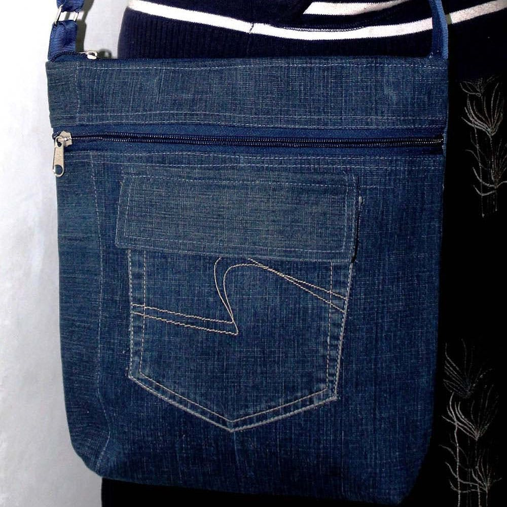Jeans,Product,Textile,Denim,Bag,Material property,Pattern,Electric blue,Pocket,Tints and shades